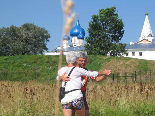 dancing in suzdal